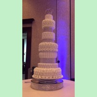 Maureen Girard<br>Something Different Cake Couture<br>mg91157@aol.com